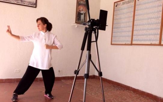 Aula Online de Tai Chi Chuan da Família Yang com a instrutora Valéria Sanchez.